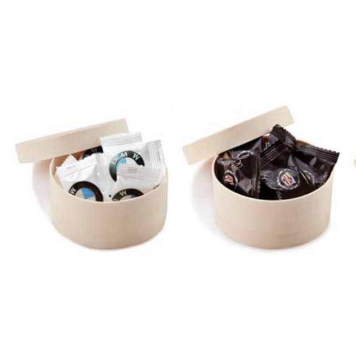 מארזי מתנה מעץ עם שוקולדים או סוכריות