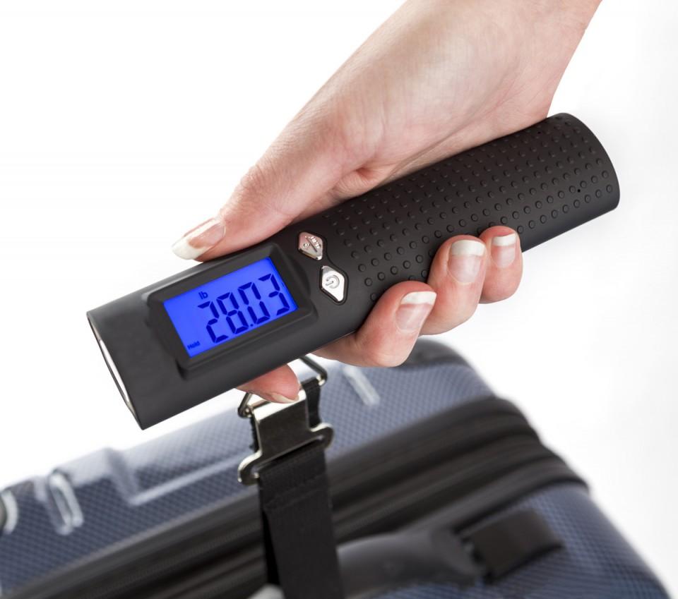 משקל מזוודות דיגיטלי עם פנס ומטען נייד
