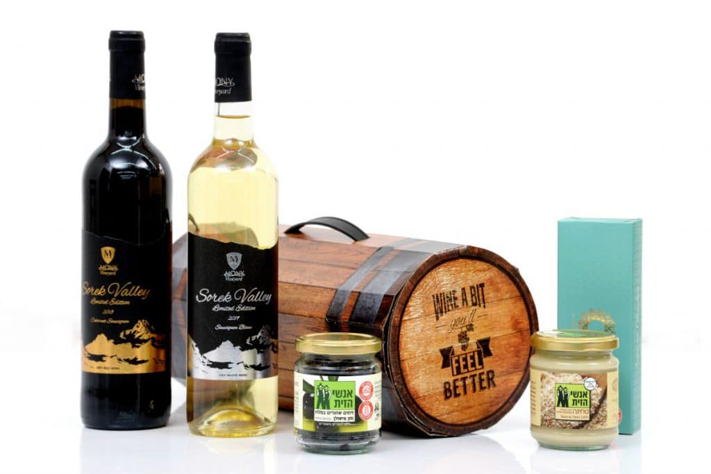 מארז שי לחג - בעיצוב מקורי של חבית יין